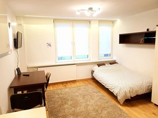 Luxurious Studio 2 min. away from Central Subway