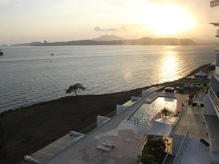 PANAMA CANAL & PANAMA CITY - FULL OCEANFRONT APARTMENT