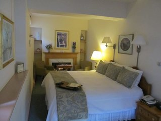 Romantic Boutique Hotel / Bed and Breakfast - Standard King With Gas Fireplace a