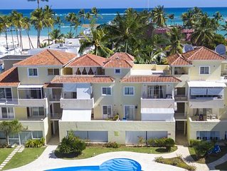 Los Corales. Close to Everything. Free WiFi, pool, parking. La Terraza A2