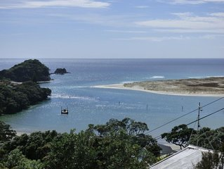 Kiwi Bach with Panoramic Sea and Harbour View