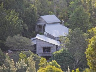 Tyraman Retreat - Unique mountain getaway for large groups in the Hunter Valley