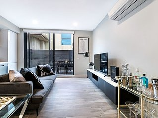 BRAND NEW! 2 Bed Premier Apartment in Caulfield North