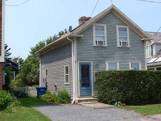 Welcoming Cottage on Spencer Park, in 1st Block of Harbor, Nr Restaurants, Shops