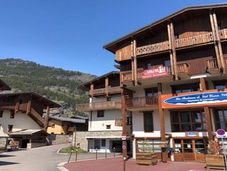 ski-in ski-out apartment  in 4 star residence les balcons de val cenis village