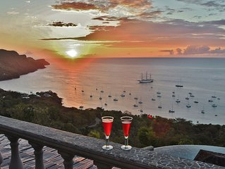 Tropical Hideaway Penthouse Suite - Stunning Views - 5*  Accommodation