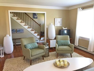 Sparkling Cape, steps to lake, 3 blocks to town center. Renting for 2020!