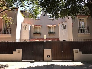 Beautiful House In The Heart Of The Most Trendy Area Of The City.