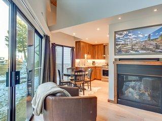 High Quality Tahoe Keys Condo, Smart TV, Steps to the Lake, 12 min to Heavenly R