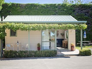 Palm Tree Cottage  in Rural Havelock North