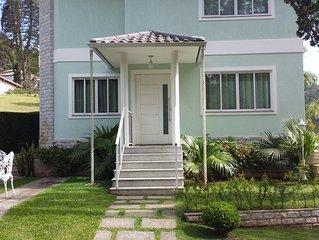 Belissima Casa em Cond. com infra total - RJ 130 - no Charmoso circuito Tere-Fri