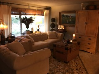 Just One Mile From I5  Home Sleeps Up To Six, Hot Tub, 2 Gas Fireplaces,  Ac