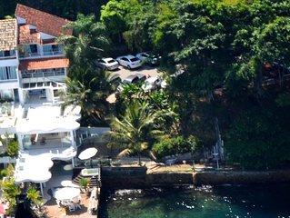 Aconchego sobre o mar, Angra dos Reis, Portogalo, 4 suítes, acomoda 8 a 10.