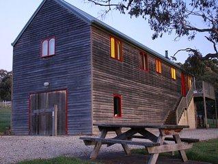 Herons Rise Vineyard Accommodation-The Wine Loft