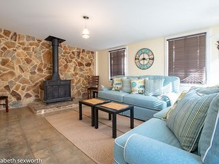 Treasured Times: Roomy, Group-Ready House in a Central Spot