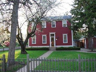 Simcoe Pines; Beautiful Home w Heated  Pool in Old Town Niagara-on-the-Lake