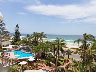 Rocks Resort 4G - Currumbin Beachfront - Min. 3 night stays!
