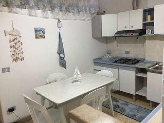 Appartamentino Gaeta zona Serapo, con Parcheggio e Terrazzo