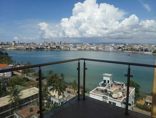 The Lofty sea view apartment