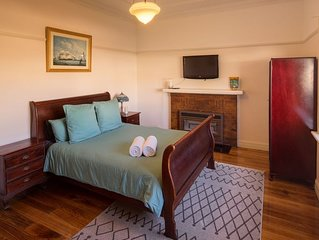 Art Deco House Warrnambool. Affordable accommodation with free parking and WiFi.
