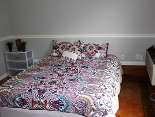 Perfect For Those Coming to Take in All that Austin has to Offer! Garage Apt. w/