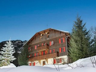 Les Hirondelle - Large traditional chalet