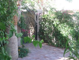 Spacious-Secluded-Spotless 3br/3ba Townhome in the Heart of Scottsdale