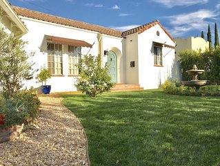 Luxurious Spanish House, 4 KING beds, Close To All, Perfect for Families