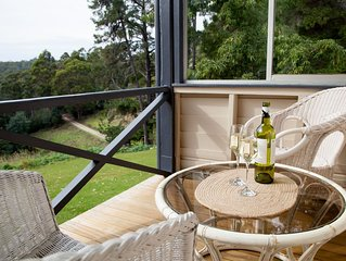 The Pear Cottage - unwind and recharge or explore the Tasman Peninsula