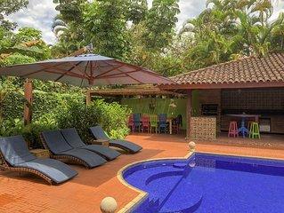 Casa a 50 m da praia em Condominio diferenciado, total privacidade Camburizinho