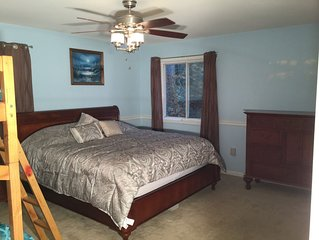 5BR, 3 Kings, Sleeps16, Hot Tub, Fire Pit, Gas Grill