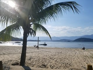 Vista Paradisiaca para o mar e a montanha
