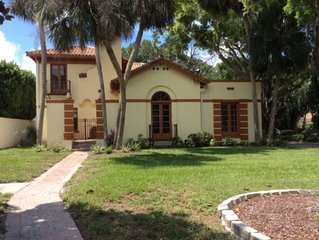 Classic 1927 mansion in Sapphire Shores near Ringling Mansion with Bay views!