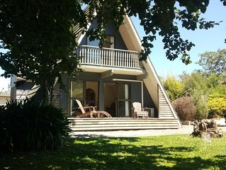 A-frame 5 minutes from the centre of Greytown - Country Village Heaven.
