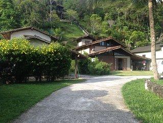 Casa 2suites , a 100 mts da praia de Maresias c/ churrasqueira