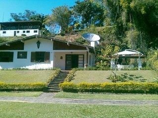 casa em condomínio 03 quartos, bairro Quebra Frascos em teresópol