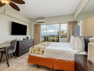 Cozy Studio w/Amazing View! Free WiFi, Kitchenette, Washer/Dryer–Waikiki Shore