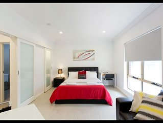 M5 Studio Central Apartment within Perth Free Transit Zone