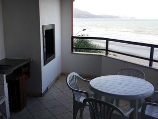 Frente ao Mar,  Apartamento 3 quartos, 3 banheiros, Meia Praia, Itapema
