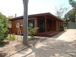 Cedar Cottage - Within a short walking distance to Lake Victoria's sandy beaches