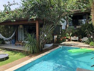 Linda casa com vista para o mar, piscina e Wi-Fi