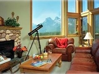Mountain Views, Downtown Loft, Family Friendly, Walker's Paradise.