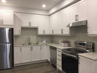 Charming, Brand New Apartment in Pickering