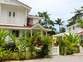 Beautiful 2 Bdr villa, AC, Beach, Pool, Fully Equipped, perfect for 2-4 people!