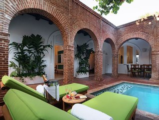 3 Bedrooom Luxurious Spanish Villa with private pool, house butler and breakfast