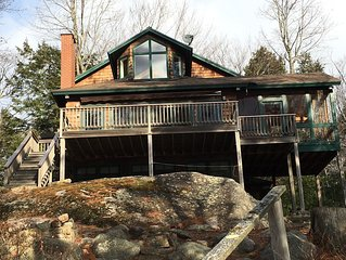 Beautiful two bedroom on the shores of Sebago Lake