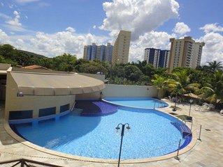 Apto Residencial Águas da Serra, excelente parque aquático, 8 piscinas, 2 ôfuros