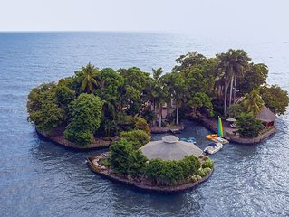Private Island Paradise - Rent for Day Trip 10 Guests OR Staying Over 2 Guests