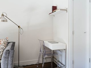 Private Adjoining Queen Studios with Kitchenette in Luxury Townhouse