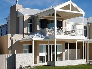 Villa Ida, Aldinga Beach Getaways. Esplanade property with sweeping ocean views